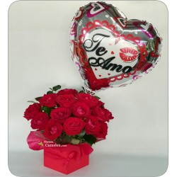 605 | Flower arrangement in box and balloon I love you