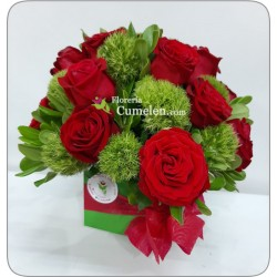 625 | Christmas box with red roses